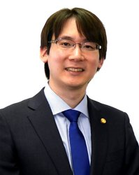 0032 法律相談顔写真.jpg